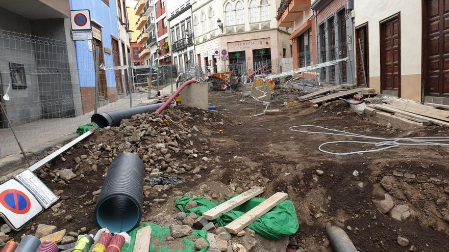 En la imagen, estado actual de las obras en la calle Pérez de Brito.