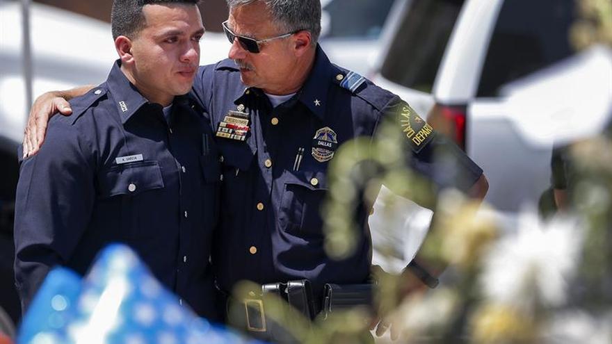 La tensión racial continúa en EE.UU. a la espera del viaje de Obama a Dallas