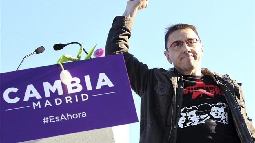 Monedero aparece por sorpresa en el mitin del cierre de campaña de Podemos