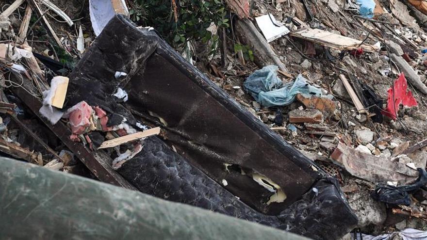 Seis investigados por responsabilidad en el alud que sepultó un hotel italiano