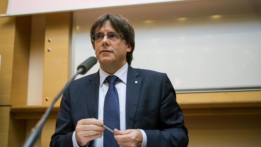 Puigdemont, dispuesto a ir a la cárcel por referéndum, descarta su reelección