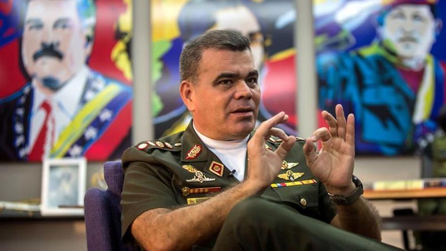 Maduro nombra nuevo Estado Mayor y releva a Padrino como jefe de operaciones
