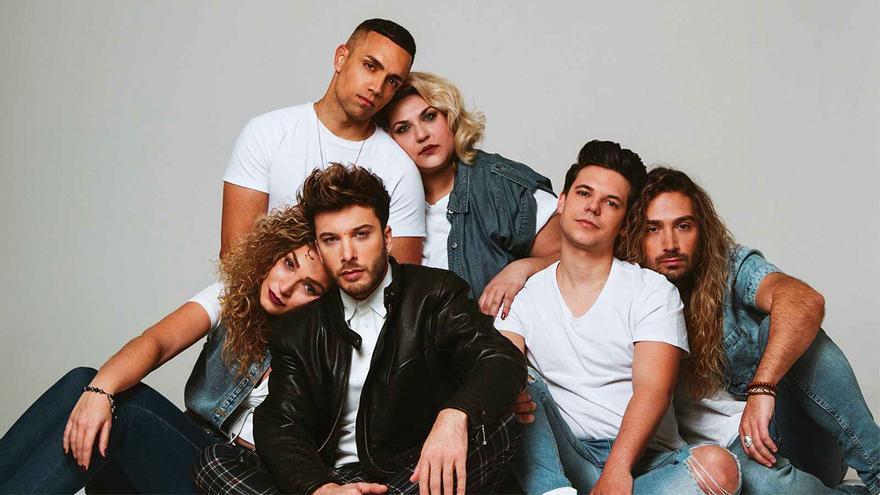 Blas Cantó, con sus coristas para Eurovisión 2020