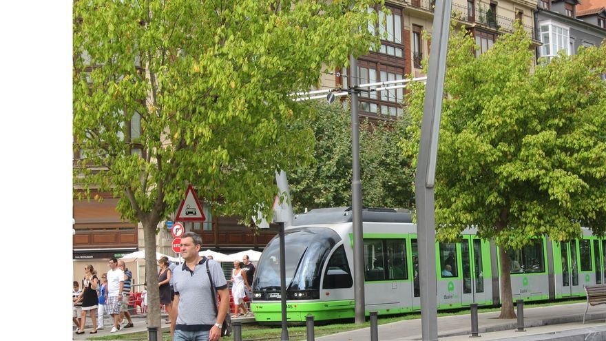 """EuskoTren modificará este domingo el servicio matinal del tranvía de Bilbao por la """"Herri Krosa"""""""