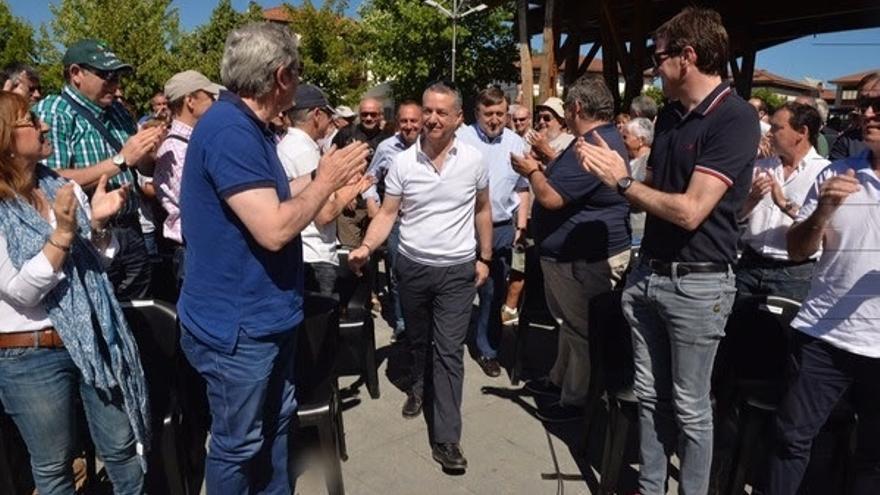 """Urkullu advierte de que el acuerdo de PP y Ciudadanos es """"muy preocupante"""" para el autogobierno de Euskadi"""