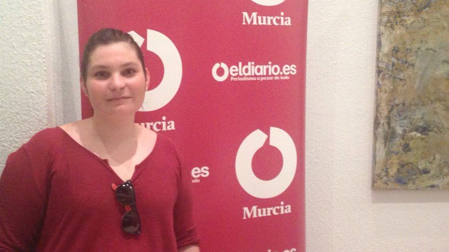 Margarita García, candidata de PACMA en la Región de Murcia en la redacción de eldiario.es Murcia