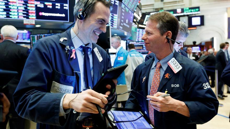 Wall Street abre en rojo y el Dow Jones cede un 0,66% por dato de desempleo peor de lo esperado