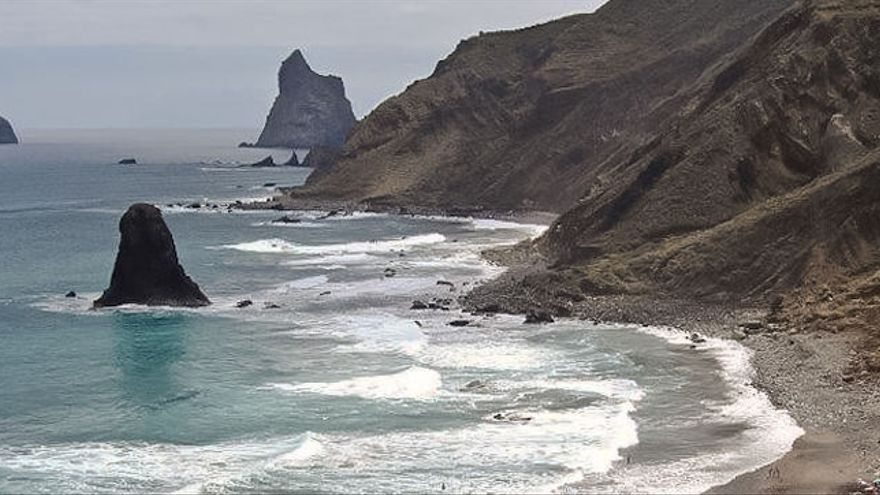 Litoral septentrional de Anaga, con la playa de Benijos, muy cerca de Almáciga