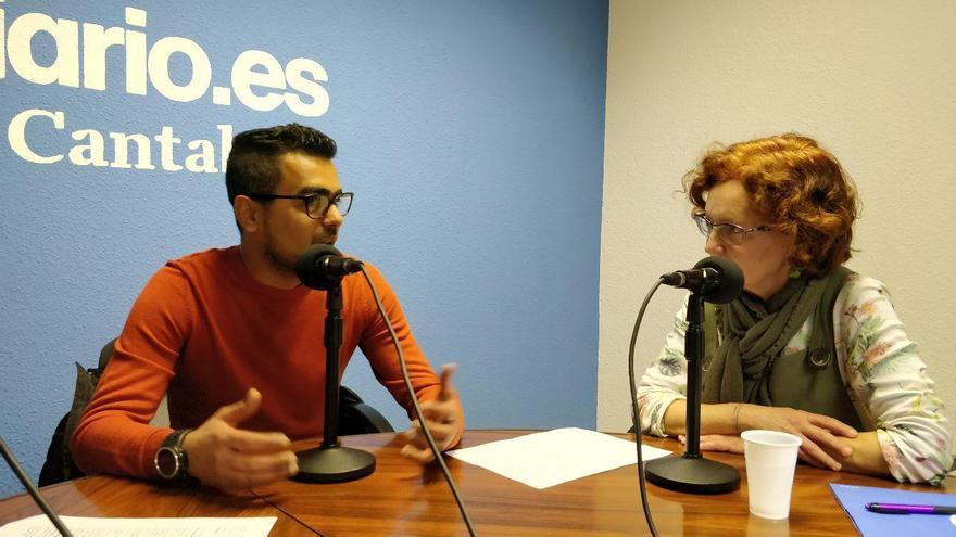 La activista de Pasaje Seguro Aurora Otero conversa con Samir durante el programa. | ANDRÉS HERMOSA