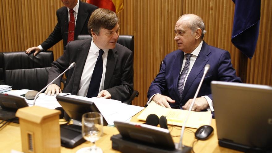 Fernández Díaz no duda de que los Mossos harán cumplir la ley e impedirían una consulta de la Generalitat