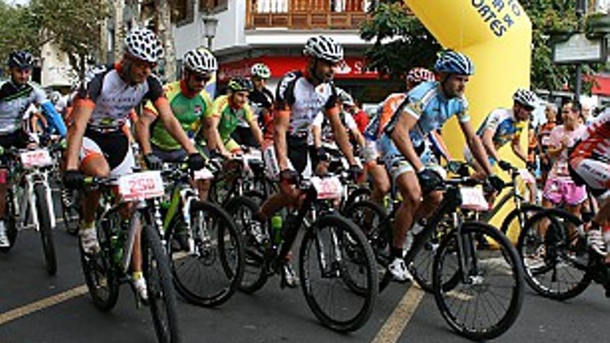 Salida de la modalidad de mountain bike en la Ruta del Vino.