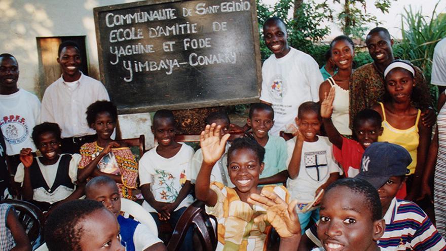 Imagen de la escuela en Guinea-Conakry que fue nombrada con el nombre de Yaguine y Fodé, los dos niños que murieron en 1999