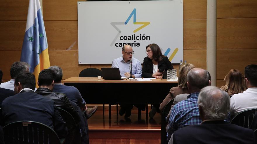 José Miguel Barragán y Guadalupe González Taño en el Consejo Político Nacional de Coalición Canaria.
