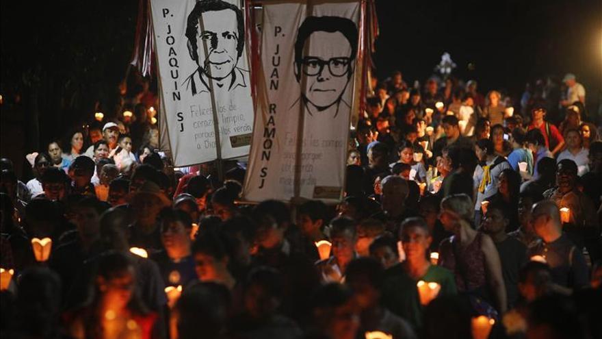 Los salvadoreños conmemoran 26 años de la masacre de los jesuitas