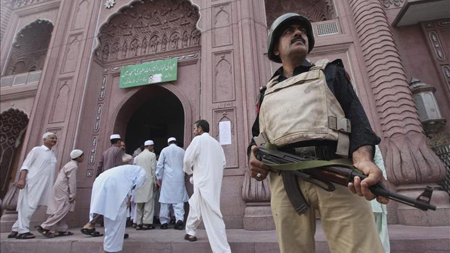 Al menos 12 muertos y 50 heridos en un ataque a una mezquita chií en Pakistán