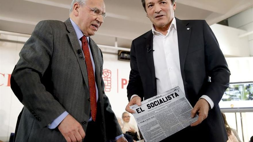 """PSOE relanza El Socialista frente a """"voceros"""" de las redes y """"supremacistas"""""""