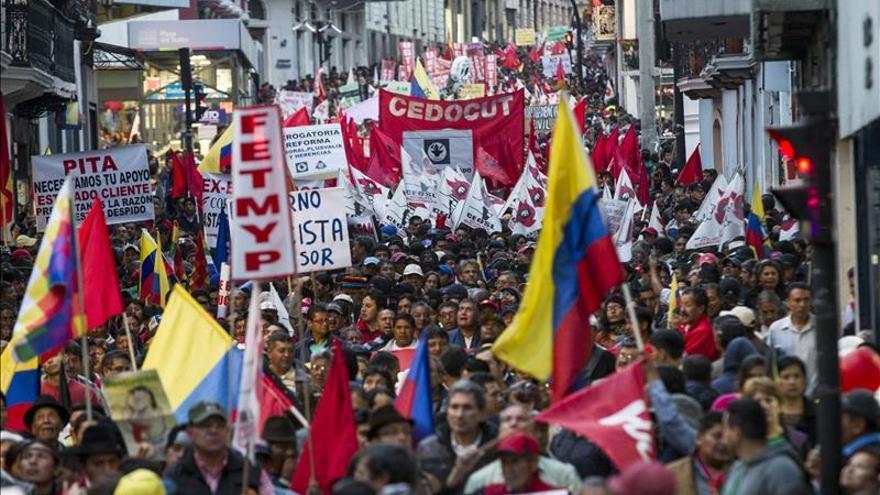 Protestas en Ecuador contra enmiendas a Constitución y reelección indefinida