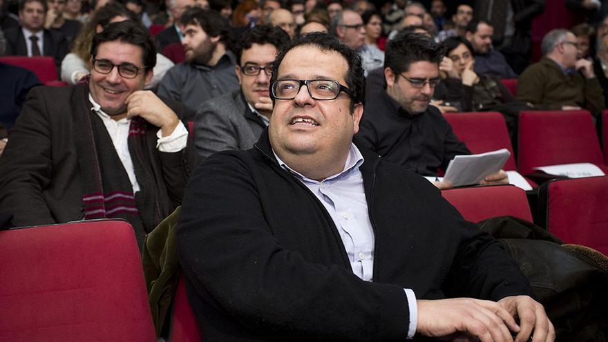 Presentación del grupo Avancem como coalición de izquierdas catalanista en el teatro del Raval./ Edu Bayer
