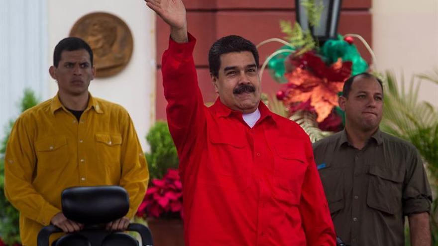 """EE.UU. acusa a Maduro de querer consolidar el poder de su """"dictadura"""""""