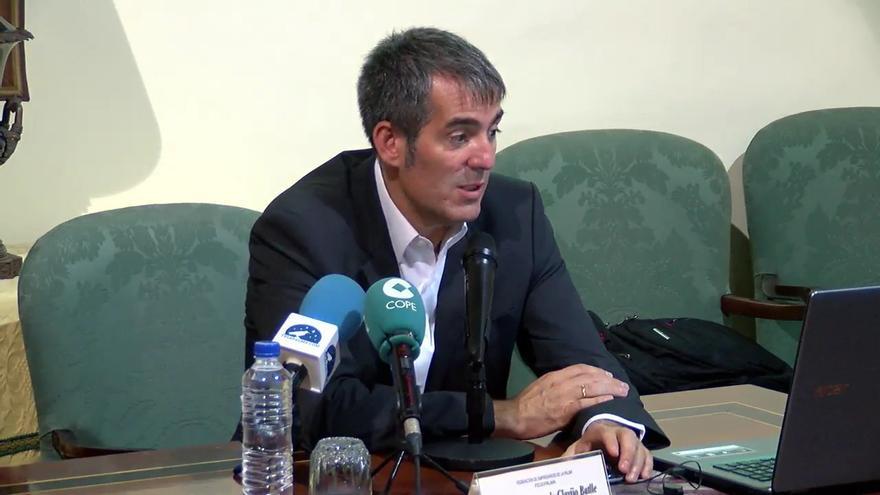 Fernando Clavijo, este jueves, durante la conferencia.