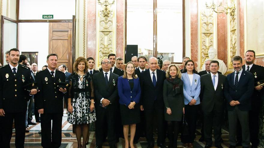 """Fernández Díaz elogia en el Congreso la """"lealtad, profesionalidad y espíritu de servicio"""" de la Policía"""