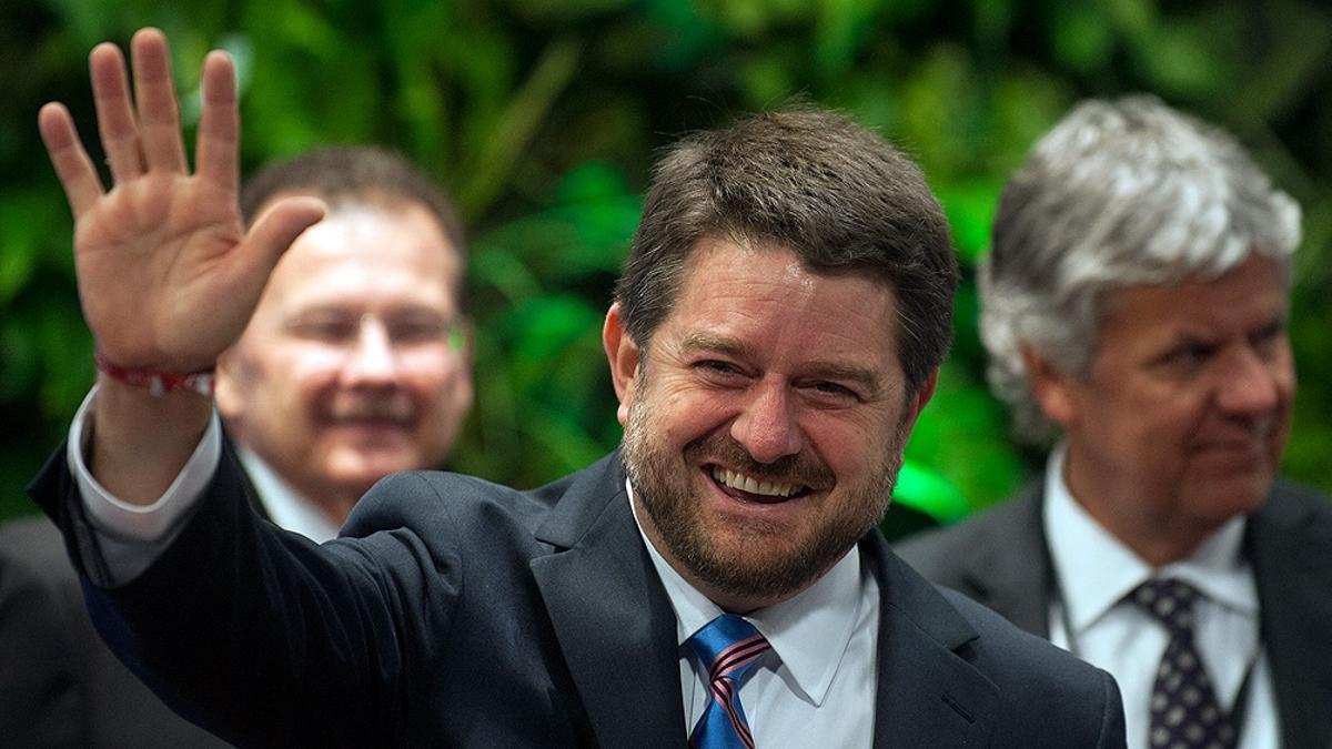 El demócrata cristiano Claudio Orrego se convirtió en el primer gobernador electo en la Región Metropolitana de Santiago con un 52,3% de los votos