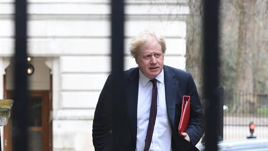 """Boris Johnson celebra la expulsión de """"agentes de inteligencia"""" rusos"""