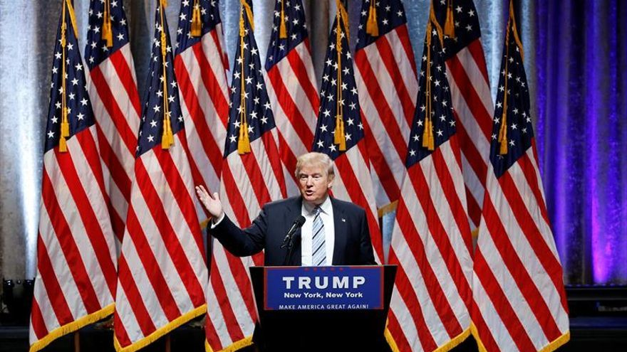 """Trump asegura que él y Pence son los candidatos de """"la ley y el orden"""""""