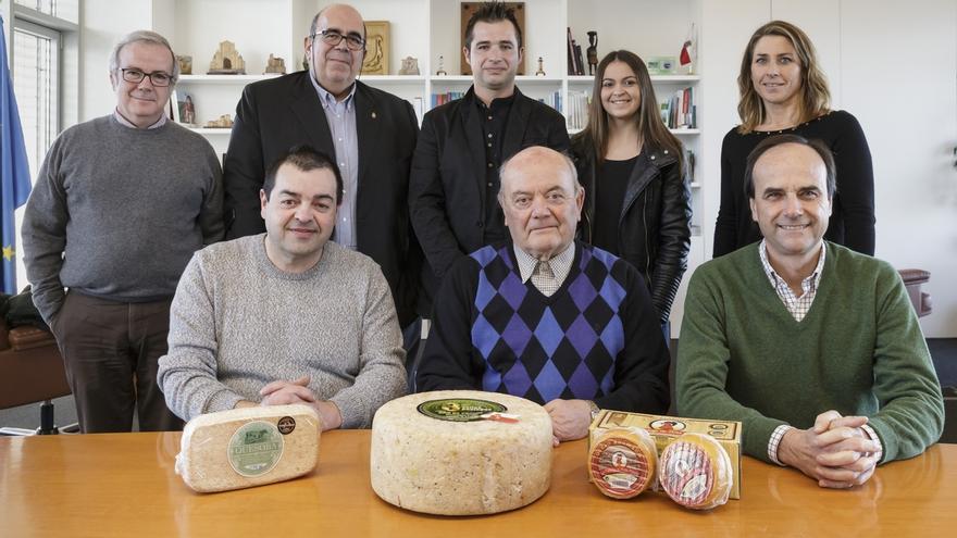 """Oria felicita a la industria quesera por el """"excelente"""" momento que atraviesa el sector"""