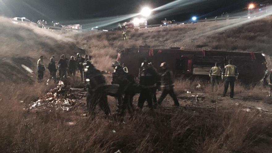 Los bomberos trabajando en el lugar del accidente / 112 Servicio de Emergencias - Región de Murcia