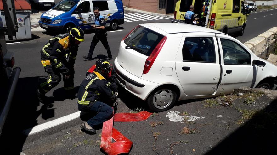 Imagen de las tareas de emergencia en el barrio santacrucero