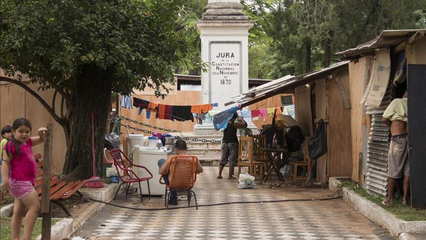 Inundación obliga a paraguayos a refugiarse en centro histórico de Asunción