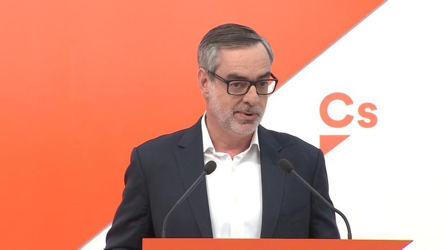 """Villegas califica la toma de posesión de Torra como un acto """"secuestrado por el separatismo"""""""