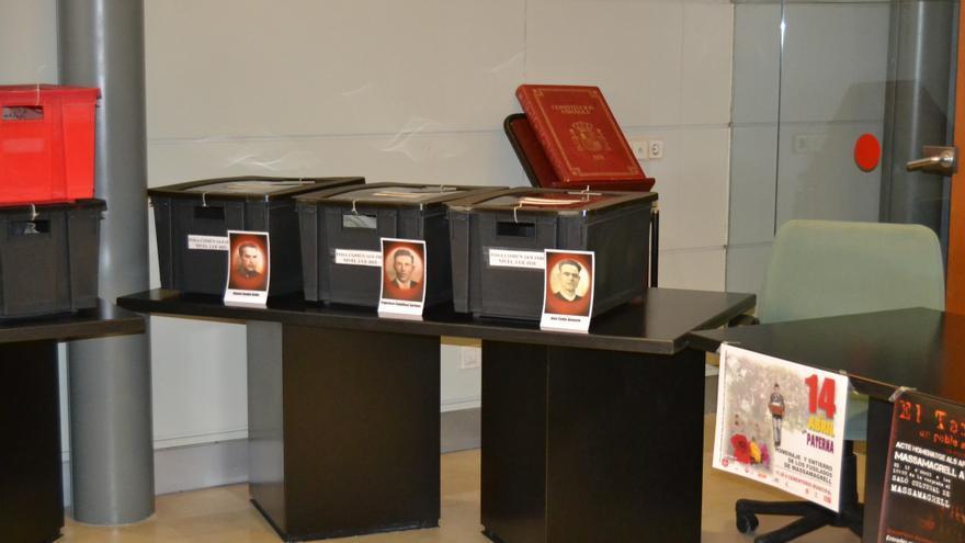 Detalle de las tres cajas con los republicanos exhumados