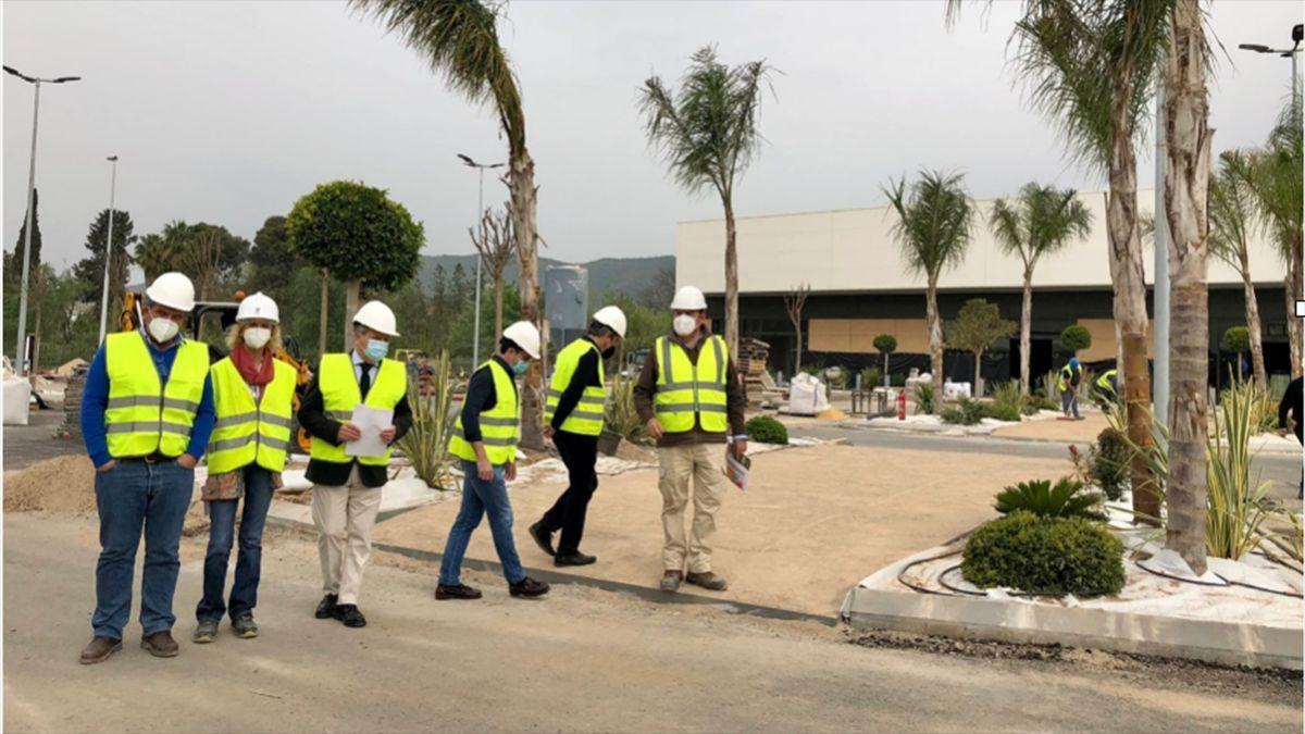 Visita a las obras del parque comercial Los Patios de Azahara.