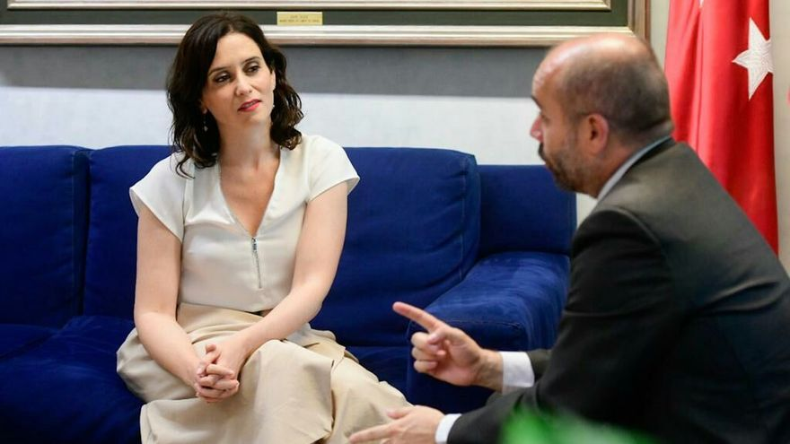 Isabel Díaz Ayuso en la ronda de consultas con el presidente de la Asamblea de Madrid, Juan Trinidad. / PP