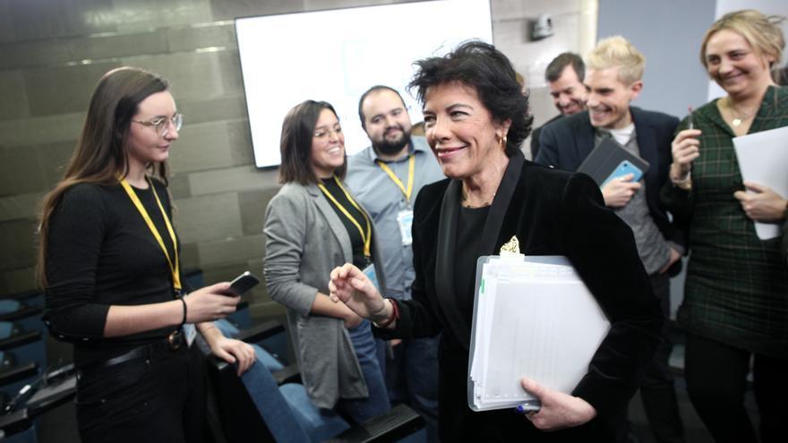 Isabel Celaá antes de su última rueda de prensa como portavoz del Gobierno.
