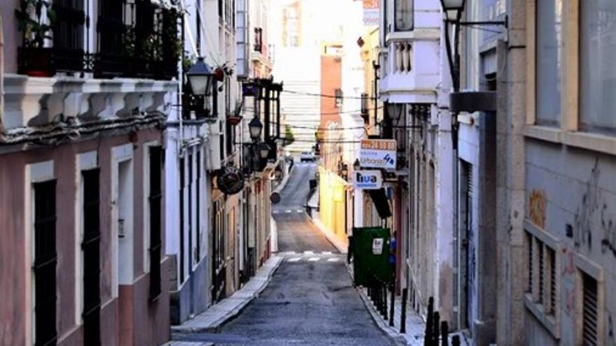 Calle Ramón Albarrán, Badajoz, uno de los lugares de las rutas de la memoria / AECOS