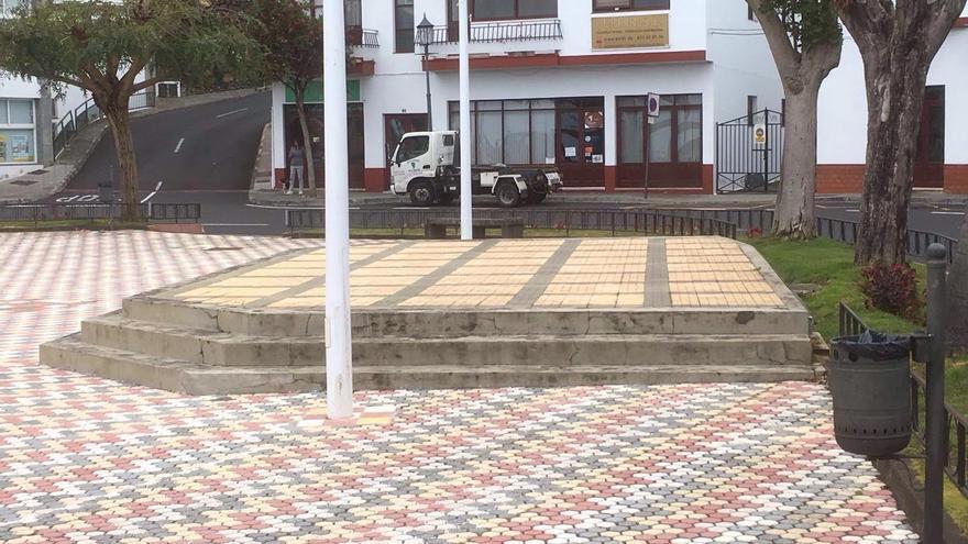 Plaza Bujaz, en el núcleo urbano de San Pedro, en Breña Alta.