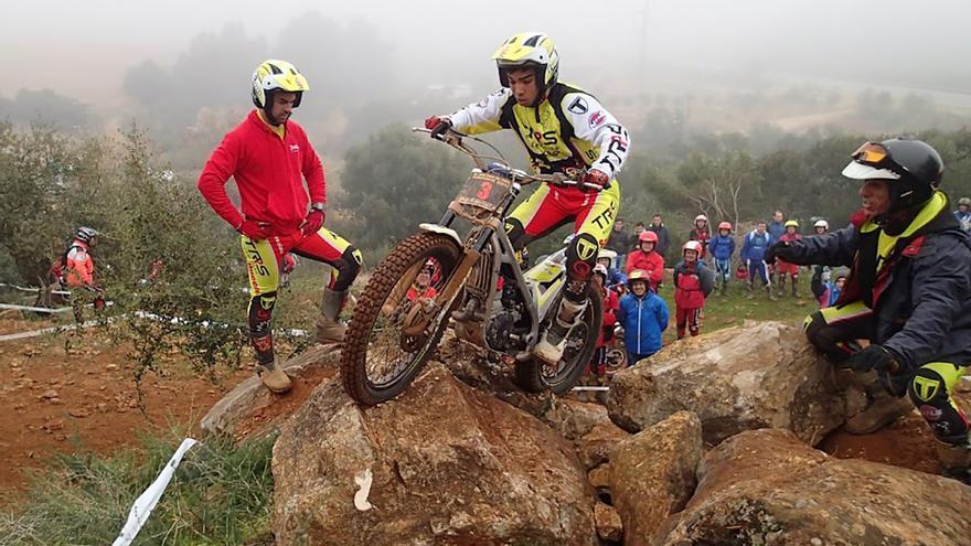 Un deportista del Motoclub Posadas en una prueba.
