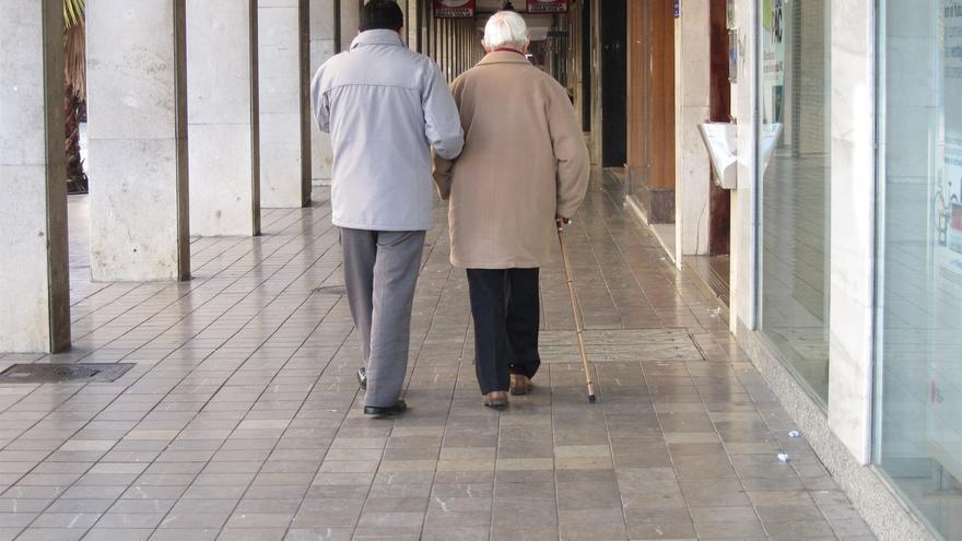 Canarias vuelve a suspender en gestión de la Ley de Dependencia