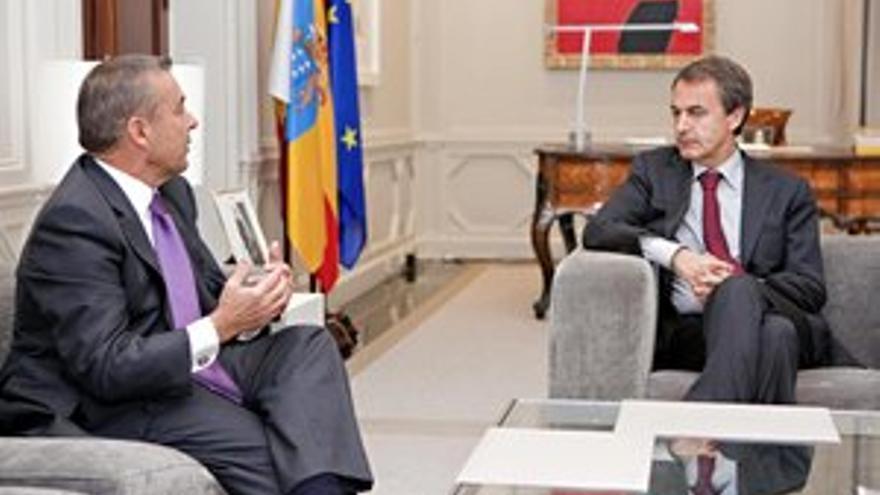 Paulino Rivero y José Luis Rodríguez Zapatero se han reunido este lunes en La Moncloa. (ACFI PRESS)