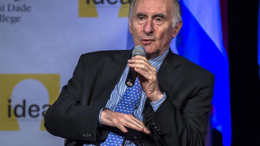 El expresidente argentino De la Rúa, en estado grave por un problema cardiaco