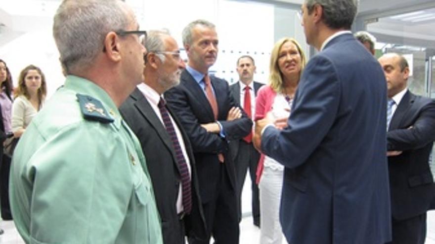 El Ministro Del Interior, Antonio Camacho