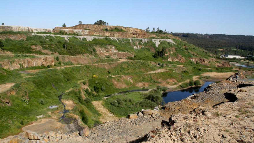 Terrenos de las antiguas explotaciones mineras de Touro (A Coruña), que la empresa promotora pretende reabrir