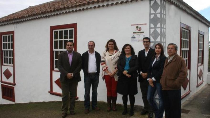Imagen de archivo de noviembre de 2012 del acto oficial de adhesión del albergue de La Fuente, en Puntallana, a la Red Canaria de Albergues Juveniles