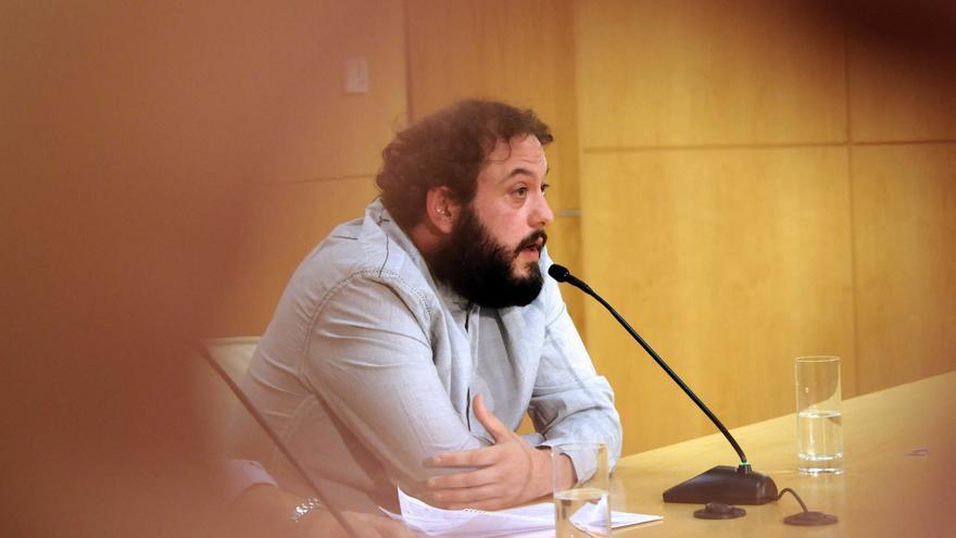 Rueda de prensa de Guillermo Zapata tras dejar el área de Cultura y Deportes del Ayuntamiento de Madrid. / madrid.es