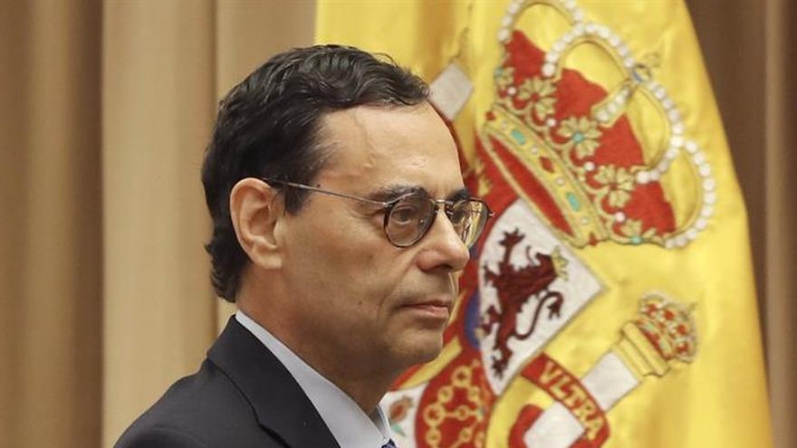 Caruana niega presiones al Banco de España de los gobiernos de Aznar y Zapatero