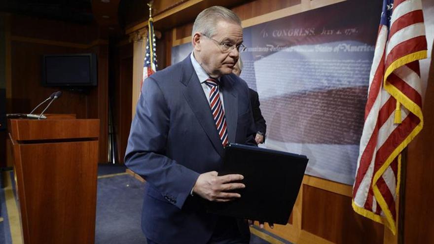 El Supremo de EE.UU. declina retirar cargos de corrupción contra el senador Menéndez