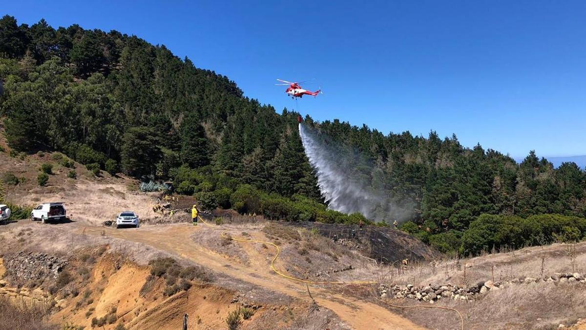 El incendio se ha producido en la zona de las Albercas de Tiñor, en Valverde
